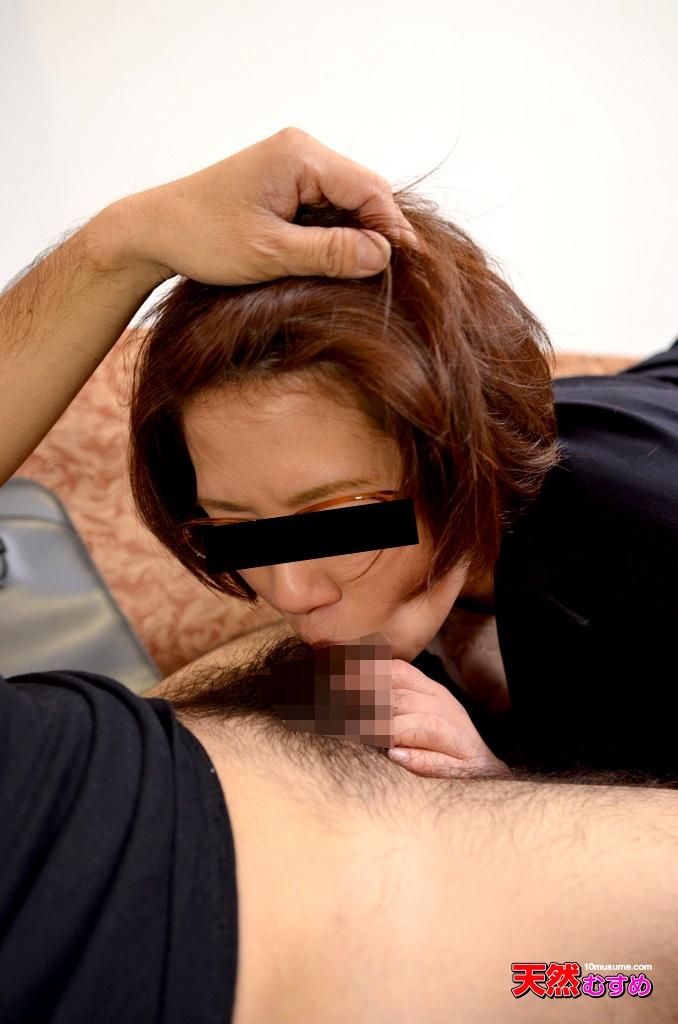 旦那の命令で他人棒に輪姦される変態おばさん 個人撮影五十路