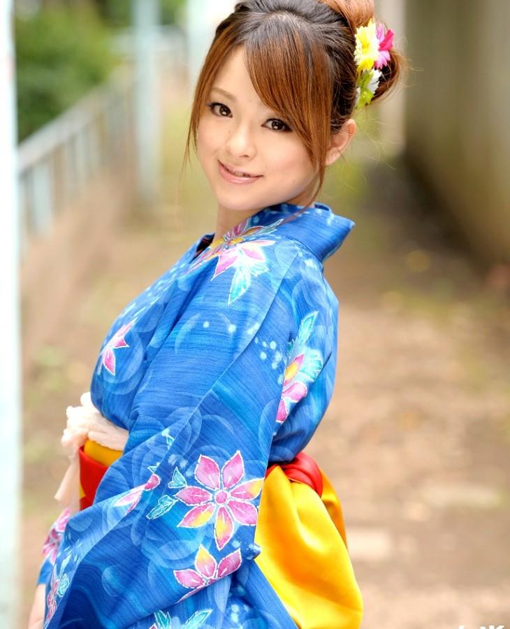 小桜りく 画像001